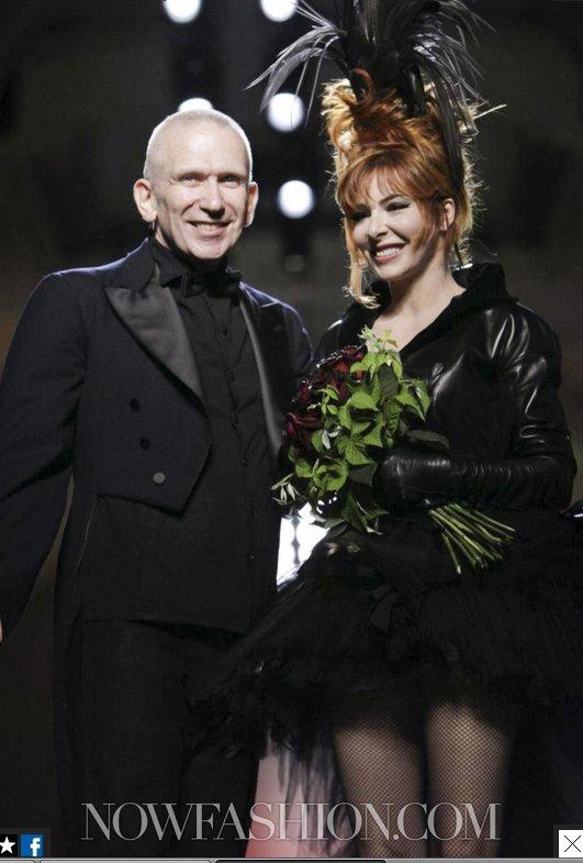 Défilé Jean-Paul Gaultier (septembre 2011) avec Mylène Farmer en veuve