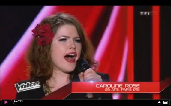 """Caroline-Rose dans l'émission """"The Voice 2"""", 2013"""