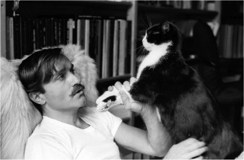 Yves Navarre et ses chats