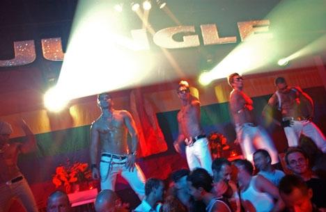 Clubbing 100% gay et 100% hommes