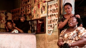 """Film """"Braids On Bald Head"""" (2010) d'Ishaya Bako"""
