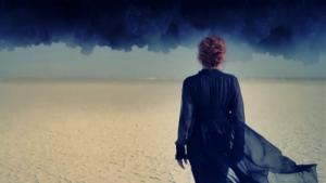 """Vidéo-clip de la chanson """"Lonely Lisa"""" de Mylène Farmer"""