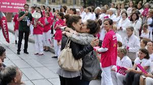 """""""Kissing"""" de Marseille, à l'automne 2012 à Marseille, par deux lycéennes"""