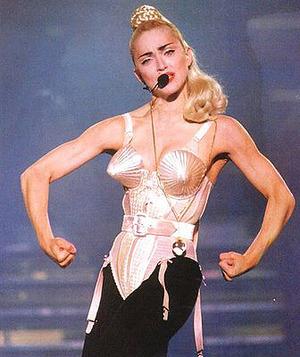 La cougar Madonna