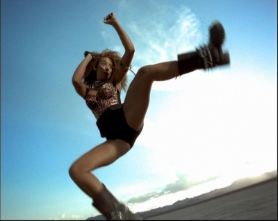 "Mel B (Spice Girls) dans le clip ""Say You'll Be There"""