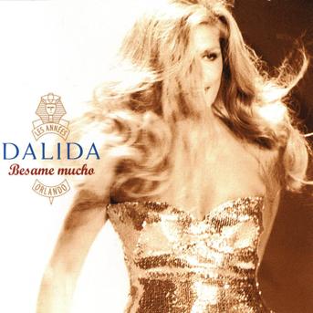 """Dalida, surnommée """"Quatre yeux"""" étant petite"""