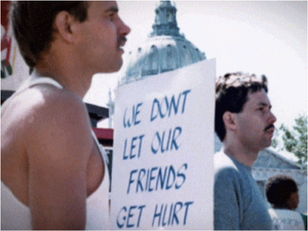 "Manif USA avec des pancartes ""We don't let our friends get hurt"""