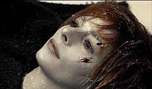 "Vidéo-clip de la chanson ""Fuck Them All"" de Mylène Farmer"