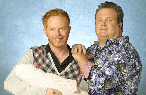 """Série """"Modern Family"""" avec le couple gay formé par Mitchell et son amant obèse Cameron."""