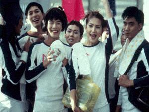 """Film """"Satreelex, The Iron Ladies"""" de Yongyooth Thongkonthun"""