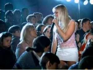 "Vidéo-clip de la chanson ""Mama"" des Spice Girls"