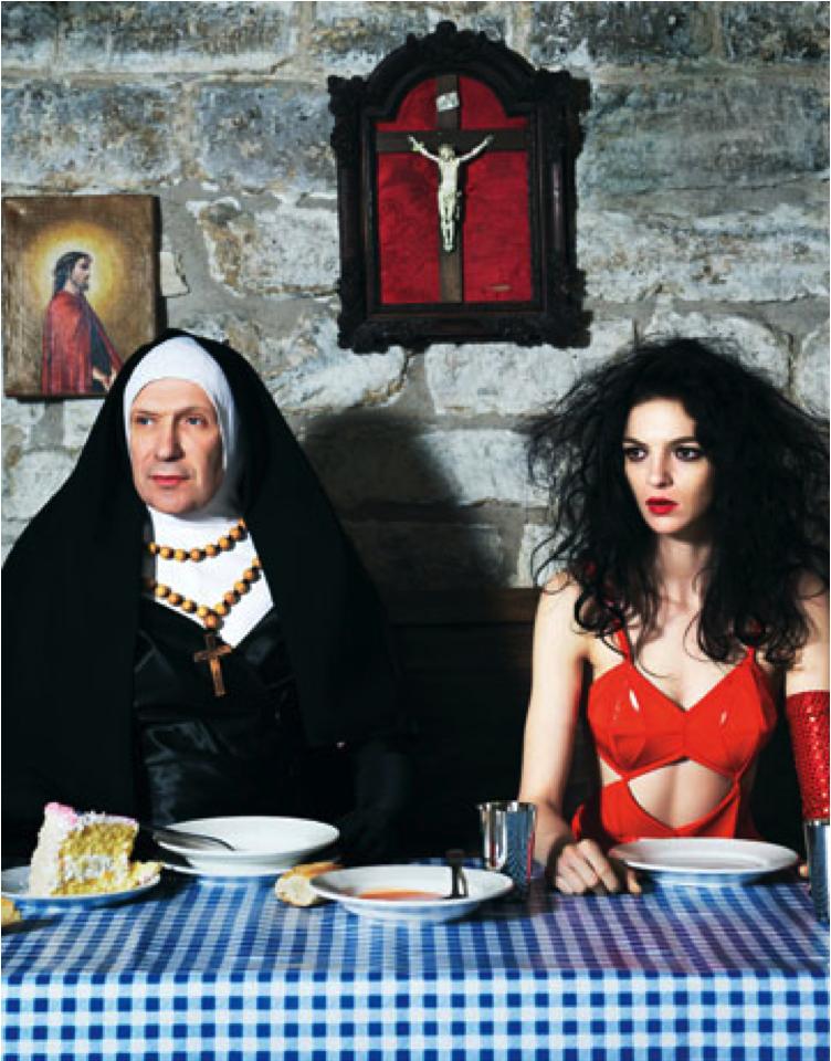 """Jean-Paul Gaultier rejouant """"Entre Tinieblas"""""""