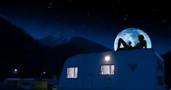 Film « Das Flüstern Des Mondes » (« Whispering Moon », 2006) de Michael Satzinger