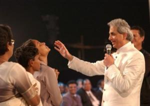 Le télévangéliste Benny Hinn en Inde