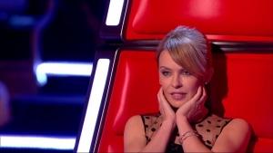 Kylie Minogue se touche pour The Voice UK