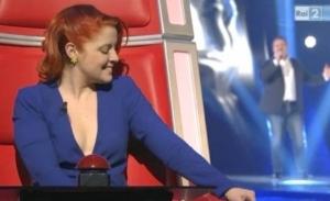 Noemi Scollatura dans The Voice Italie
